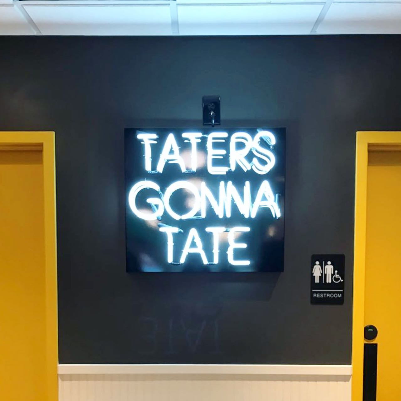 Tatters Gonna Tate Neon
